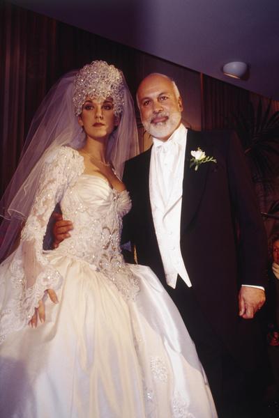 Фото №1 - Самые нелепые свадебные наряды звезд: 18 фото