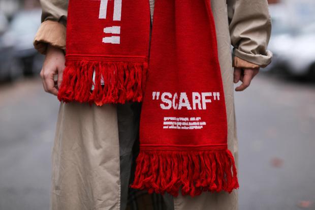 Фото №1 - Что купить: теплые, большие и очень уютные шарфы на зиму