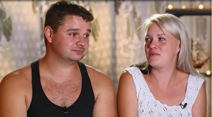 Фото №2 - «Жена действительно все это делает?»: ведущий шоу о нерадивых мужьях рассказал об особенностях российского брака