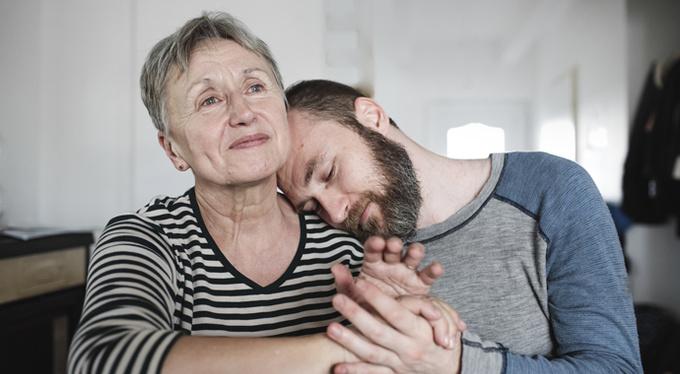 Слишком много любви: если сын для мамы — партнер