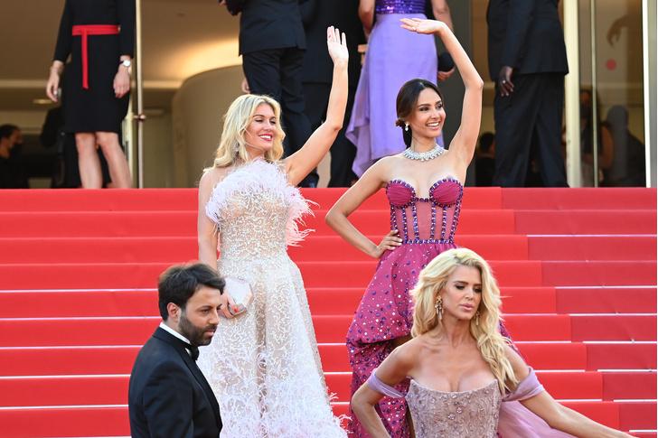 Фото №1 - Хадид с обнаженной грудью и Хилл в «нарисованном» платье: самые сексуальные образы звезд на Каннском кинофестивале