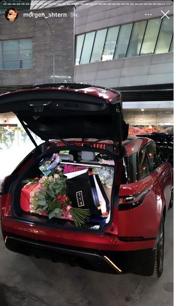 Фото №2 - Машина, чемодан денег и торт в виде мужского достоинства: как Моргенштерн поздравил свою девушку Дилару с днем рождения