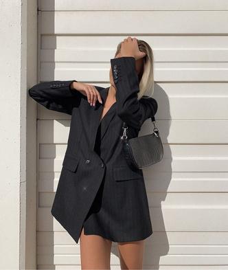 Фото №7 - Модный гайд: собираем базовый гардероб на осень 2021