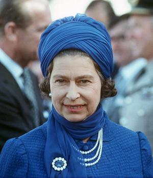 Фото №4 - Самый загадочный камень: как королевские особы носят сапфиры