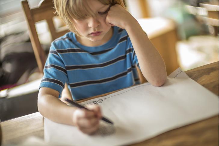 Фото №1 - «После развода ребенок начал рисовать странные картинки»