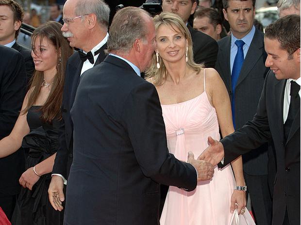 Фото №4 - Устранить помеху: могла ли любовница испанского короля повторить судьбу принцессы Дианы