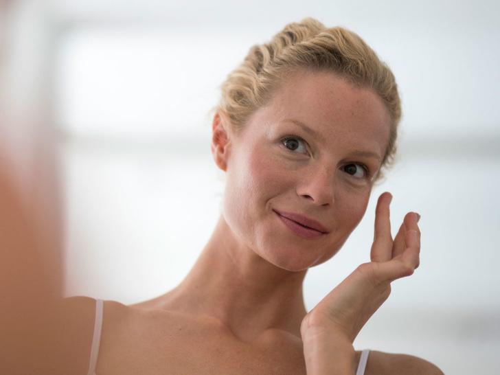 Фото №1 - 3 верных признака, что ваша кожа устала от косметики (и что с этим делать)