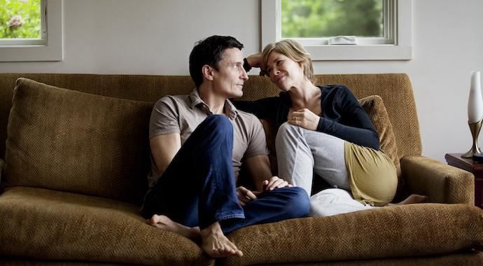 Теряете контакт с партнером? Попробуйте «игру в вопросы»