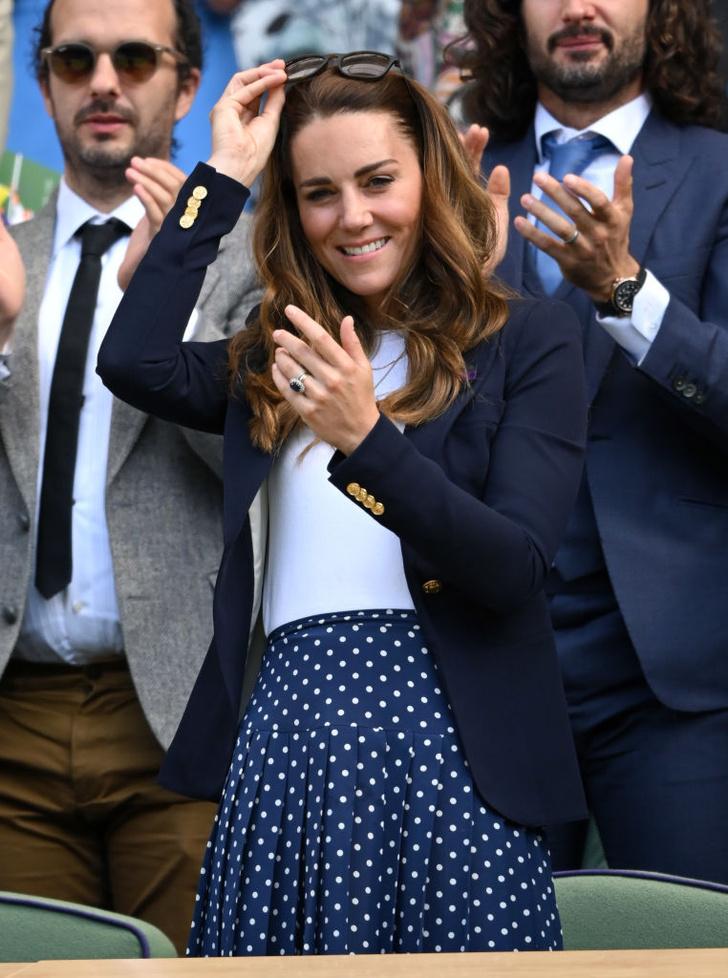 Фото №1 - Идеальная подача: Кейт Миддлтон на Уимблдонском турнире