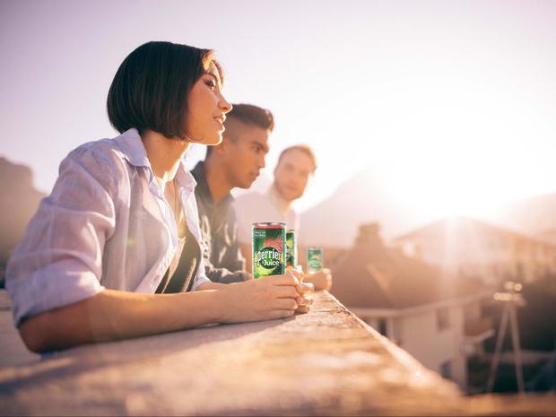Фото №1 - Вкус и польза: что нужно знать о новинке Perrier & Juice