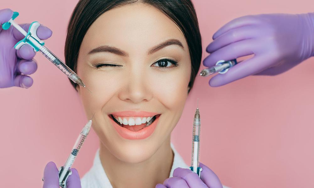 «Из-за ботокса лицо перекосило»: читательница Wday.ru — о страшных последствиях инъекций