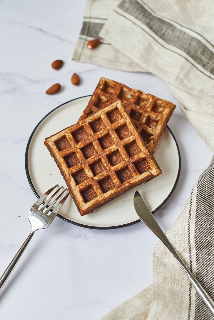 Фото №1 - Рецепт дня: готовим низкоуглеводные и безумно вкусные кето вафли