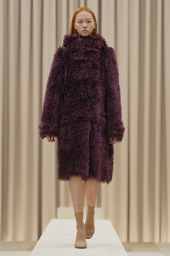 Фото №87 - Полный гид по самой модной верхней одежде на осень и зиму 2021/22