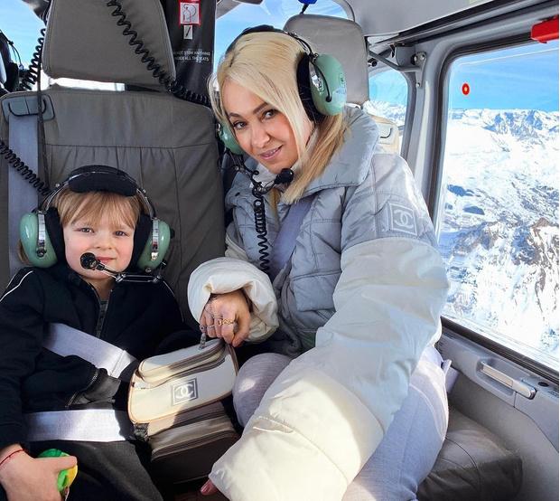 Фото №1 - 6-летний сын Яны Рудковской сам оплачивает услуги няни, водителя и охраны