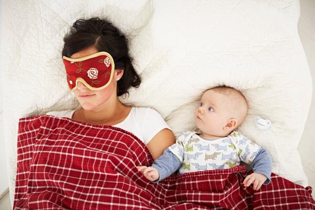 когда грудничок начнет спать длинными снами