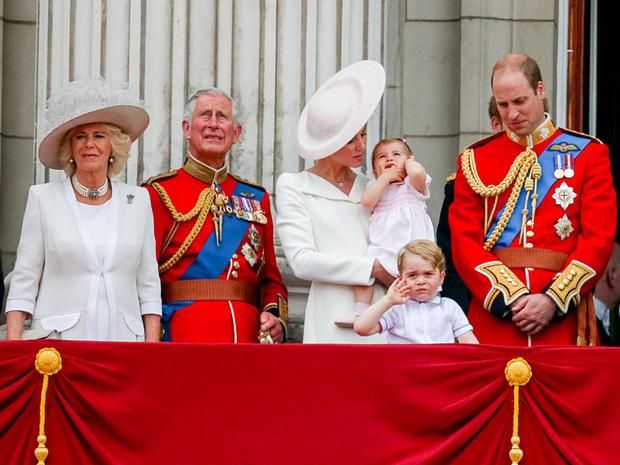Фото №3 - Королевские разногласия: почему Чарльзу и Камилле не нравится, как Кейт воспитывает детей