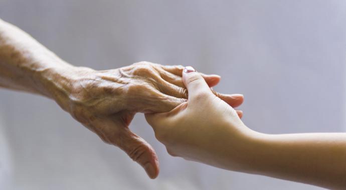 «Обещала ухаживать за больной бабушкой, но больше так жить не могу»