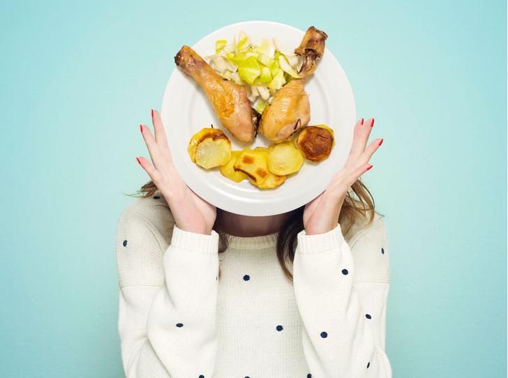 Фото №1 - 6 популярных фобий, связанных с едой (и как с ними бороться)