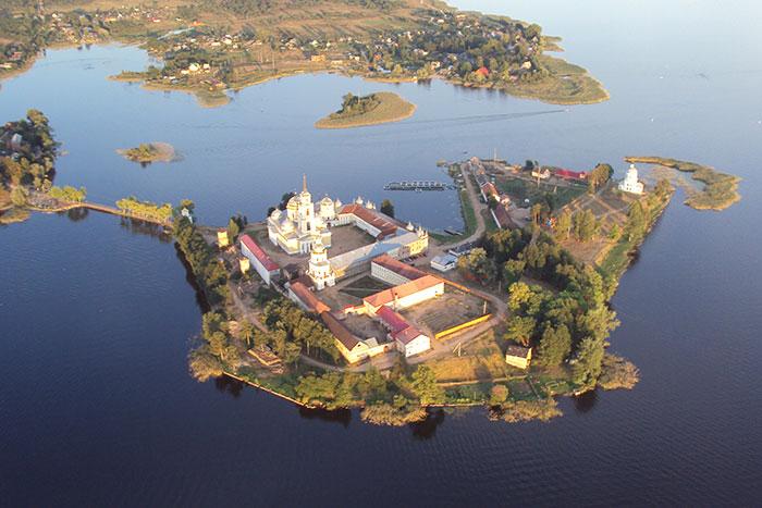 Фото №4 - Гляжусь в озера синие: 5 озер России, где стоит провести отпуск