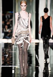 Фото №11 - Versace, Prada и Cavalli в Милане