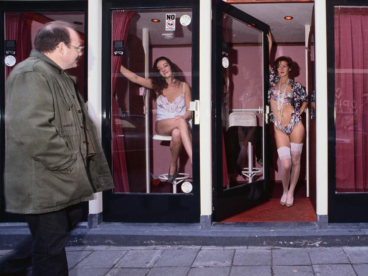 Фото №1 - Люди— не товар: почему пора перестать считать проституцию профессией и свободным выбором