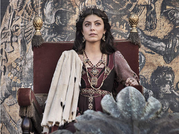 Фото №1 - От «Тюдоров» до «Короны»: 7 лучших исторических сериалов