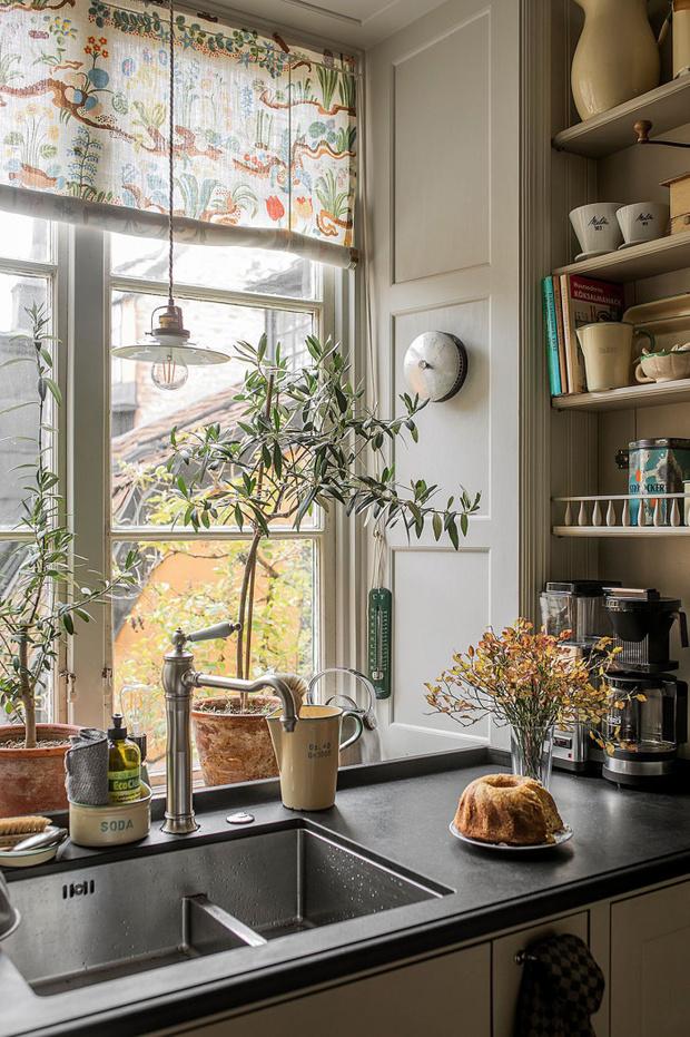 Фото №14 - Атмосферная квартира с изразцовой печкой в Стокгольме