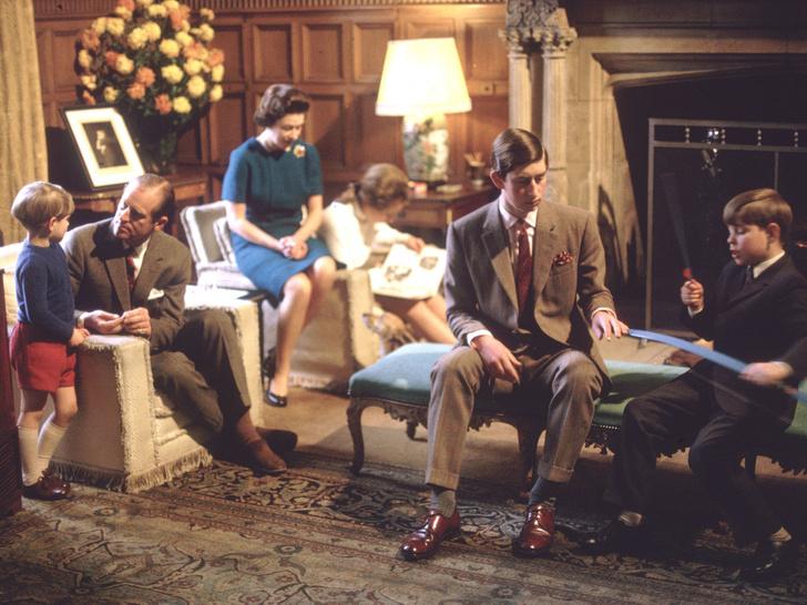 Фото №5 - Культ Короны: может ли британская королевская семья на самом деле быть сектой?