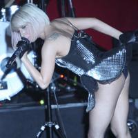 Певица Леди Гага на репетиции своего выступления