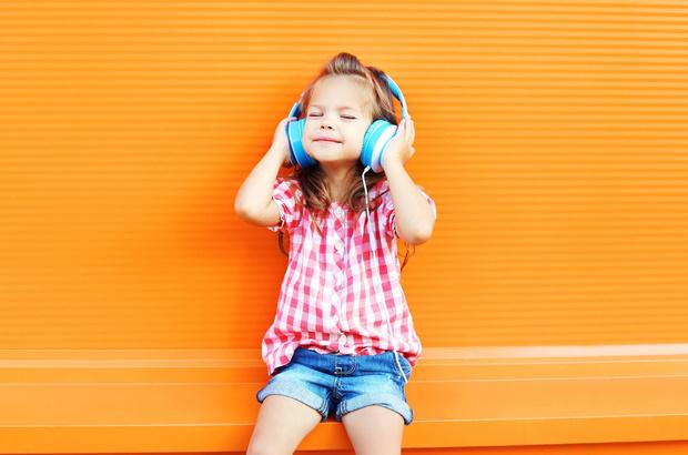 Фото №1 - Аудиокниги для детей: 6 плюсов и 6 минусов