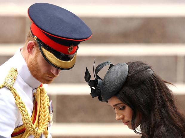 Фото №2 - Почему дворец не может лишить Гарри и Меган титулов (и у кого есть на это право)