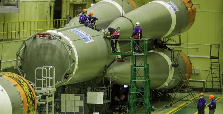 Фото №3 - Вот как выглядит ракета-носитель «Союз», расписанная под хохлому