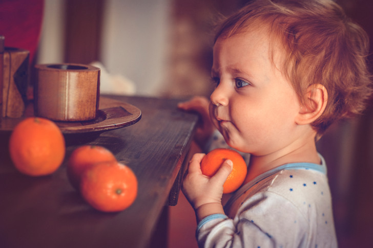Фото №1 - С какого возраста можно давать детям мандарины