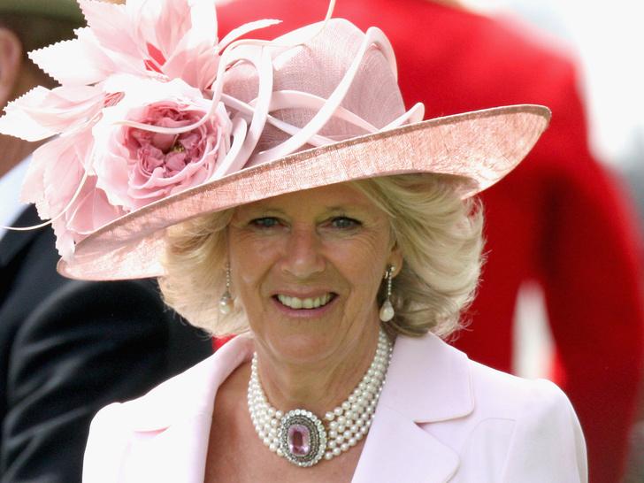 Фото №8 - От герцогини Кейт до кронпринцессы Мэри: как королевские особы носят топазы