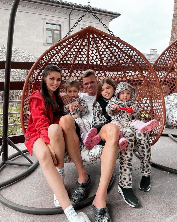 Дмитрий Тарасов и Анастасия Костенко ждут третьего ребенка