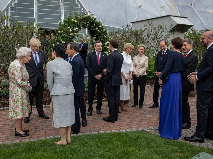Фото №2 - Саммит G7 в Корнуолле: как выглядят Первые леди Европы и Японии