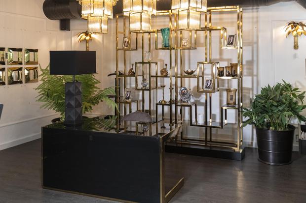 Фото №3 - Обновленная коллекция мебели Eichholtz