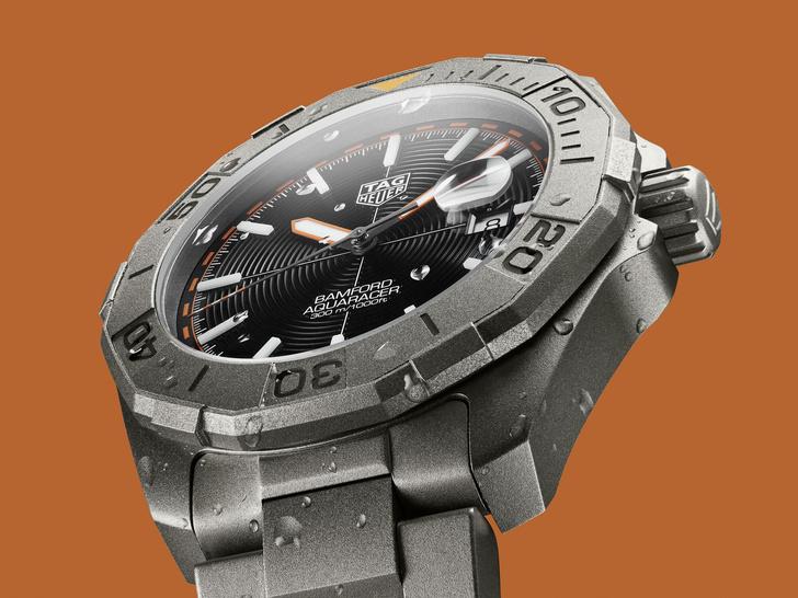 Фото №2 - Стильные и современные: как выглядят новые часы TAG Heuer Aquaracer Bamford