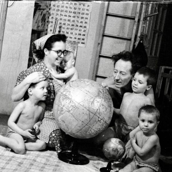 Фото №7 - Тепляковы по-советски: как эксперимент семьи Никитиных, воспитывавших людей будущего, не сделал из детей гениев