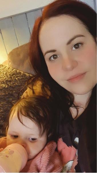 Фото №1 - Ребенок из интернета: британка родила дочь с помощью набора для искусственного оплодотворения