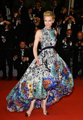 Фото №3 - Звездные платья, которые прославили своих стилистов
