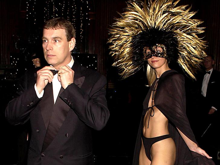 Фото №3 - Темная сторона: неизвестные подробности секс-вечеринок принца Эндрю и Джеффри Эпштейна