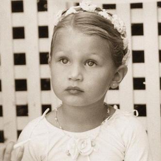 Фото №2 - Одно лицо! Дочь Ксении Бородиной оказалась копией Беллы Хадид в детстве