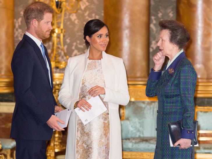 Фото №2 - Невестка с проблемами: почему принцесса Анна была против свадьбы Гарри и Меган