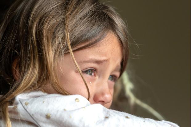 Фото №2 - Мать оттаскала ребенка по асфальту за сломанный телефон