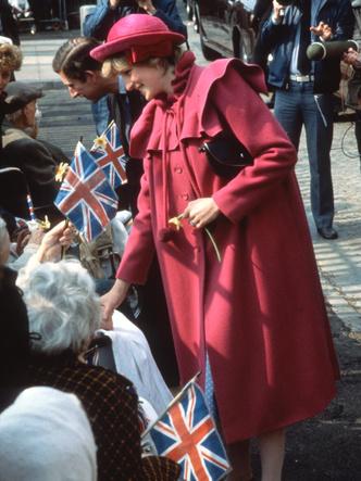 Фото №17 - От персикового до фуксии: как принцесса Диана носила розовый цвет (и почему он ей так шел)