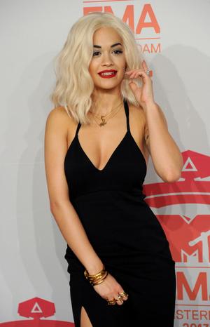 Фото №10 - Премия MTV EMA: лучшие звездные образы за всю историю