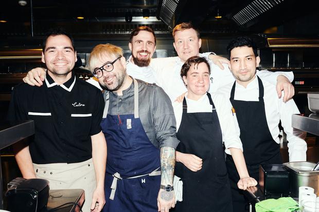 Фото №1 - Ольга Карпуть, Вика Газинская и другие гости на дне рождения ресторана Selfie