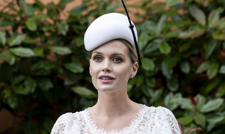 Фото №1 - Замуж за миллионера: итальянская свадьба Китти Спенсер— королевское платье и никакой тиары