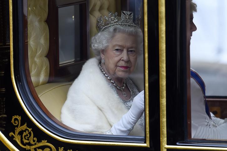 Фото №3 - Культ Короны: может ли британская королевская семья на самом деле быть сектой?